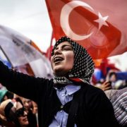 _83380837_turkey_woman_flag_get